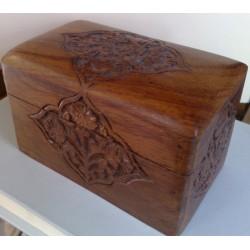Ξύλινο σκαλιστό κουτί